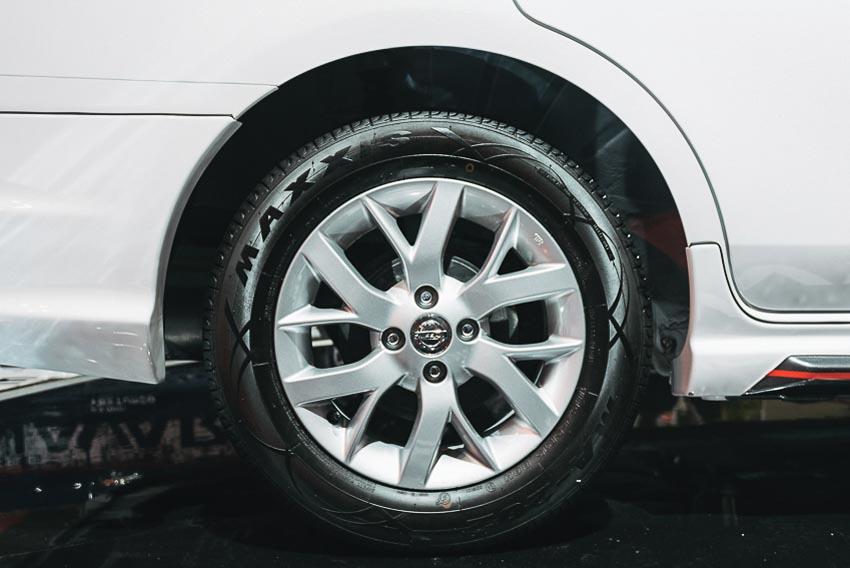Bánh xe Nissan Sunny Q-Series