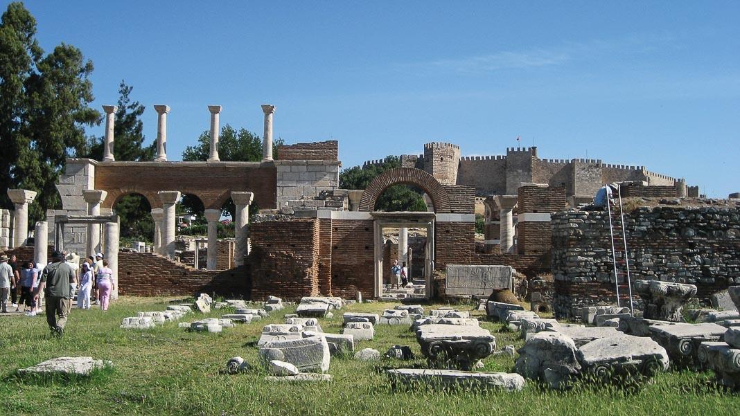 Di tích nhà thờ Thánh John trên đồi Ayasuluk, nơi có mộ Thánh John