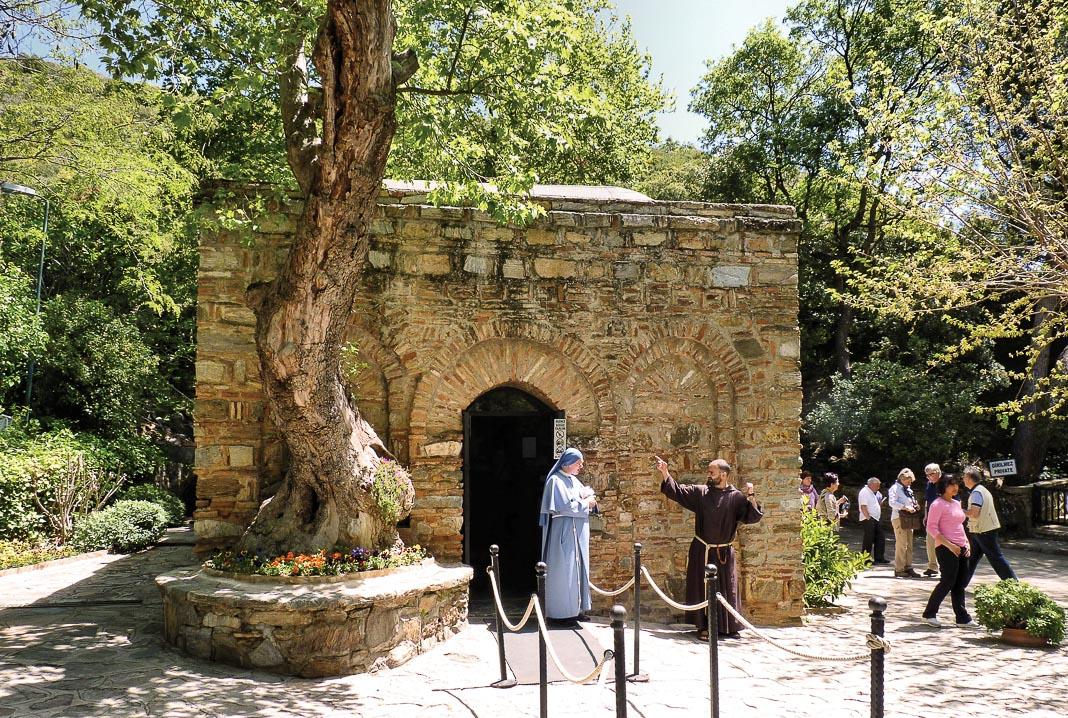 Căn nhà nguyện nơi người ta tin là nơi ở cuối đời của Đức Mẹ Maria
