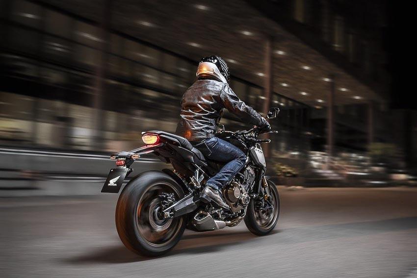Honda CB650R 2019 trên đường phố 2
