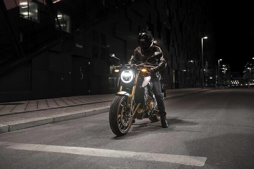 Honda CB650R 2019 trên đường phố 3