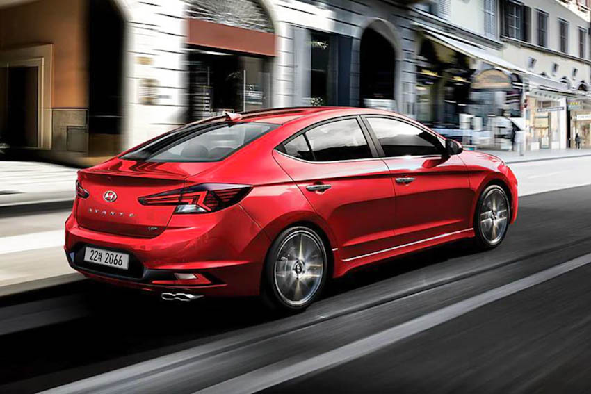 Hyundai Avante Sport 3
