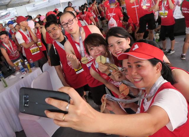 8.200 VĐV chinh phục giải marathon quốc tế TP.HCM 2018 - Ảnh 2.