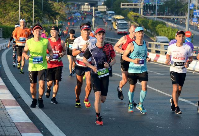 8.200 VĐV chinh phục giải marathon quốc tế TP.HCM 2018 - Ảnh 3.