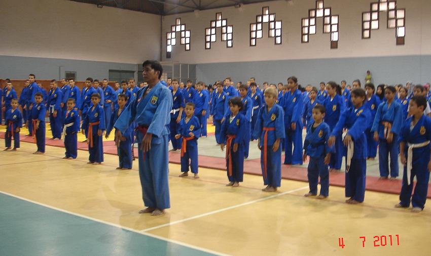 Võ sư Nguyễn Chánh Tứ tập huấn Vovinam tại Algeria (04-7-2011).  | Tư liệu Vothuat.vn