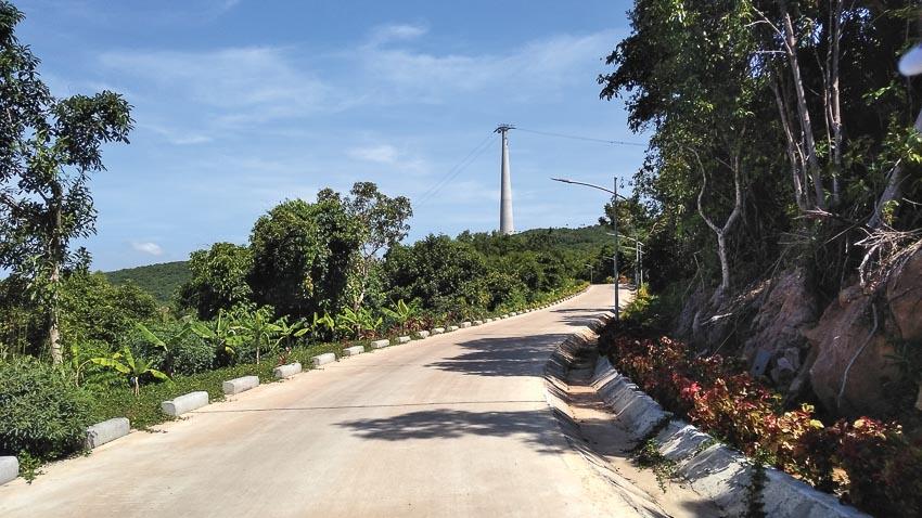 Đường đi cho xe điện trên đảo hòn Thơm
