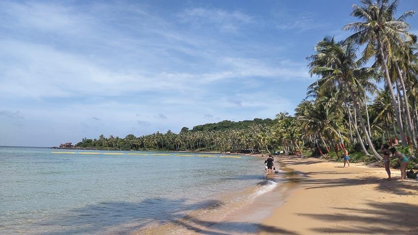 Bãi biển tuyệt đẹp của hòn Thơm