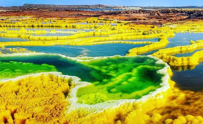 10 kỳ quan sắc màu thiên nhiên đẹp choáng ngợp trên thế giới 10