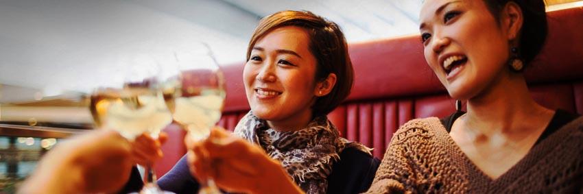 Du khách đến TP. Hồ Chí Minh mua sắm gấp 3 lần Hà Nội