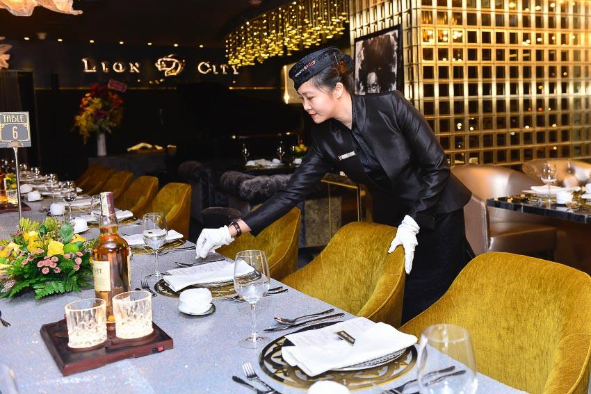 Cách bày trí sang trọng, cầu kì, tỉ mỉ đến từng chi tiết của phong cách Fine Dining
