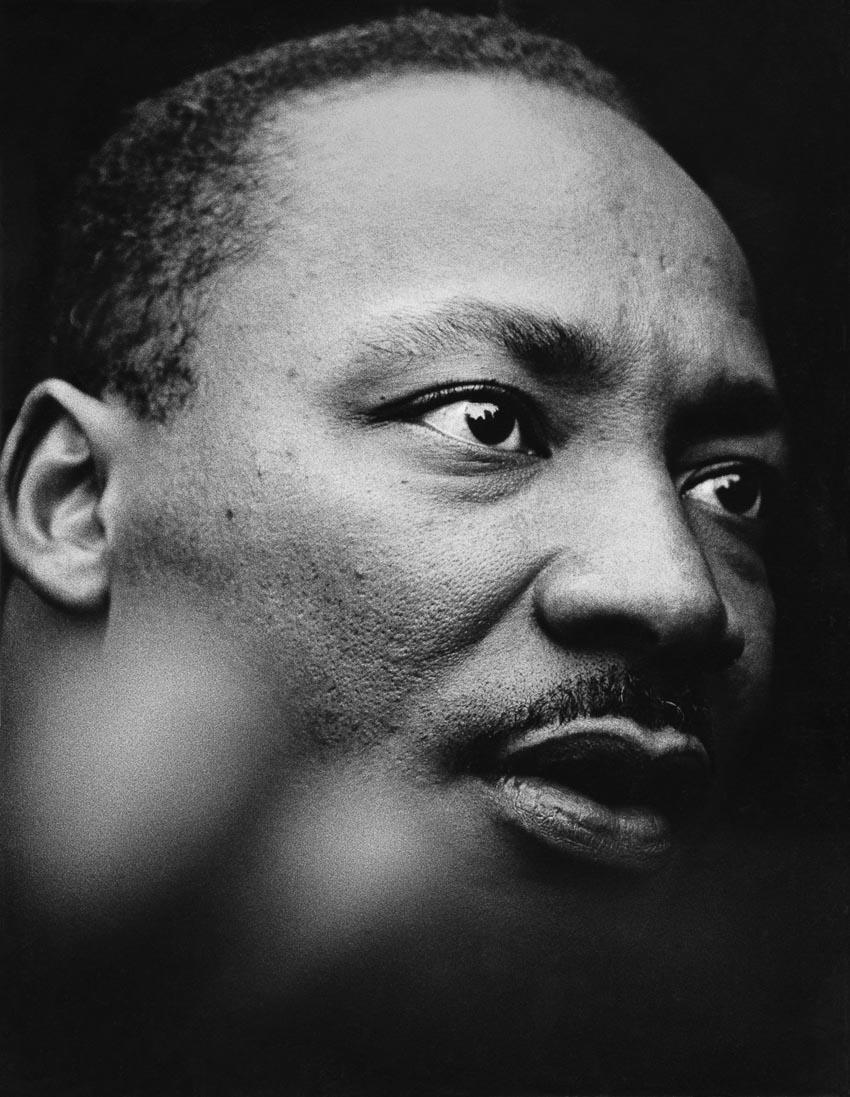 Mục sư - Tiến sĩ Martin Luther King Jr. phát biểu về cuộc chiến tranh Việt Nam bên ngoài Liên Hợp Quốc, tháng 4-1967