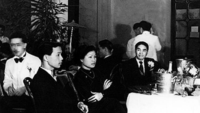 Ông bà Cát Tường dự tiệc tại nhà Khai Trí Tiến Đức, Bờ Hồ, Hà Nội 1937