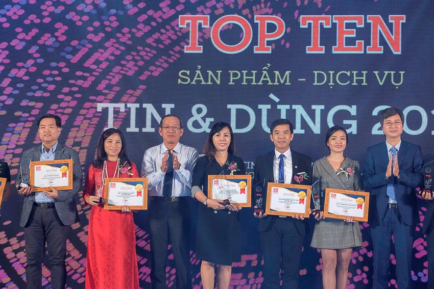 Lock&Lock tiếp tục vào Top 10 sản phẩm, dịch vụ Tin & Dùng 3