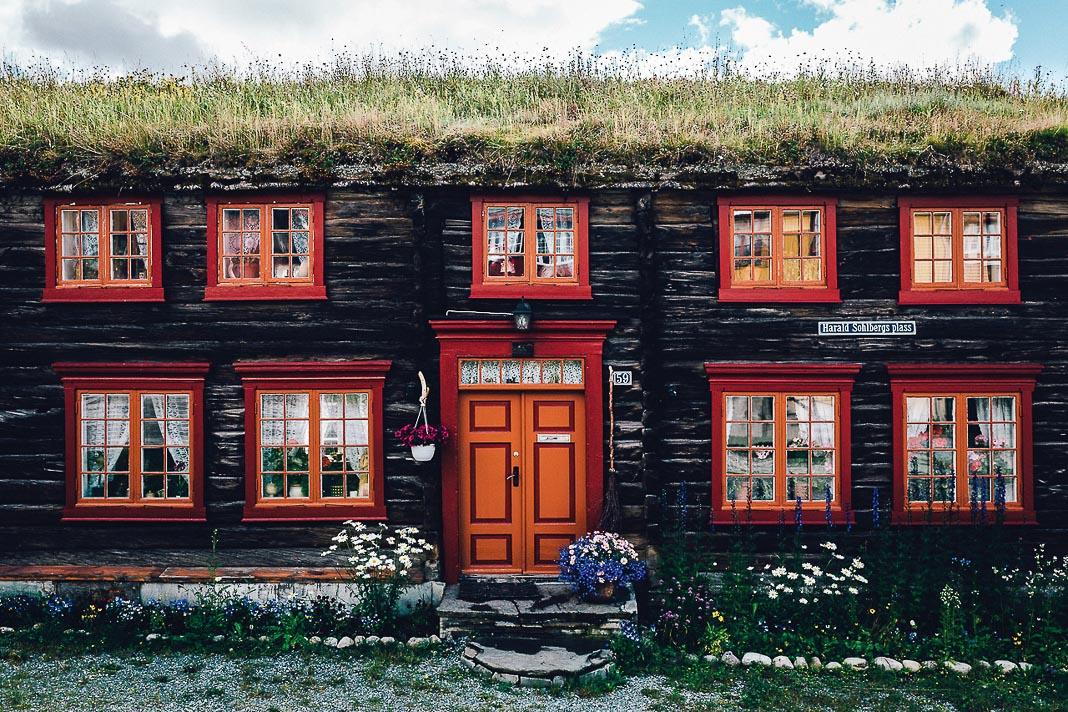 Một ngôi nhà với phong cách kiến trúc điển hình của Roros