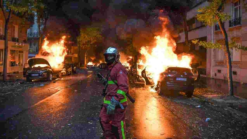 Biểu tình bạo động tại Paris phản đối thuế xăng dầu 2