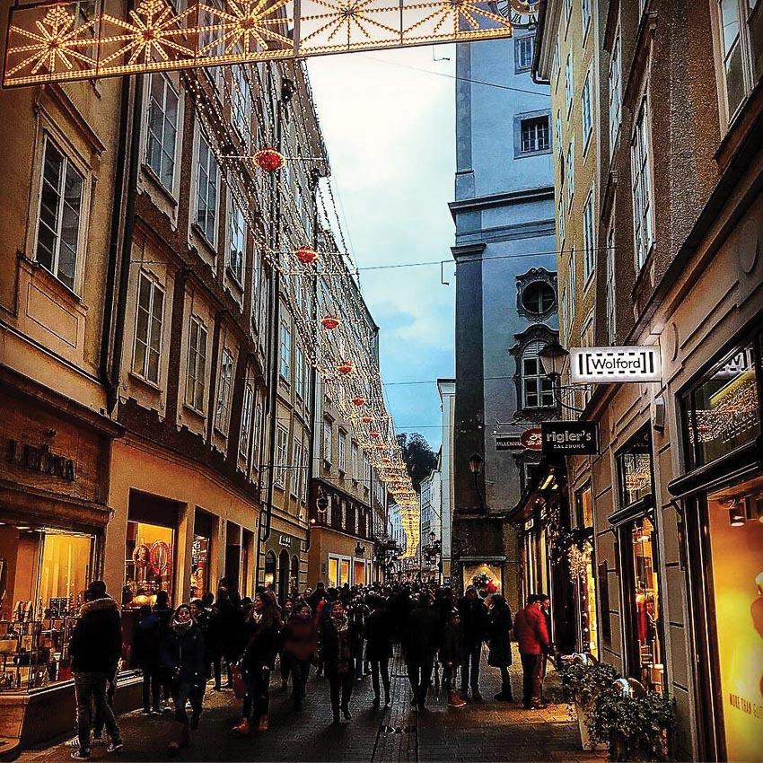 Khu phố cổ mùa Giáng sinh ở Salzburg
