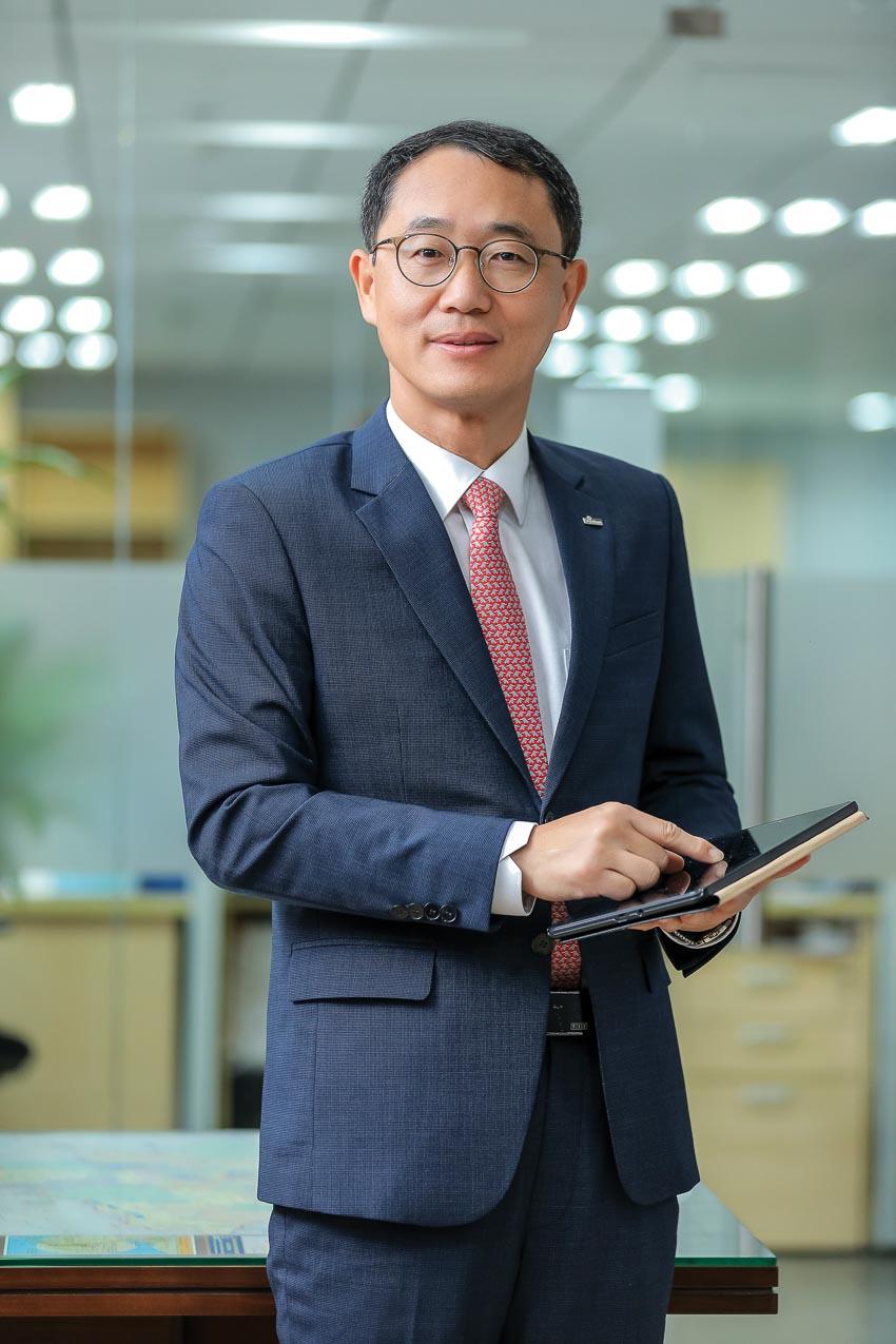 Ông Shin Dong Min, Tổng giám đốc Ngân hàng Shinhan tại Việt Nam