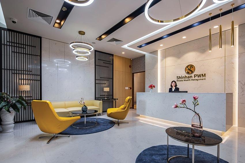 Trung tâm khách hàng PWM có không gian sang trọng đạt tiêu chuẩn năm sao, nội thất cao cấp và tiện nghi