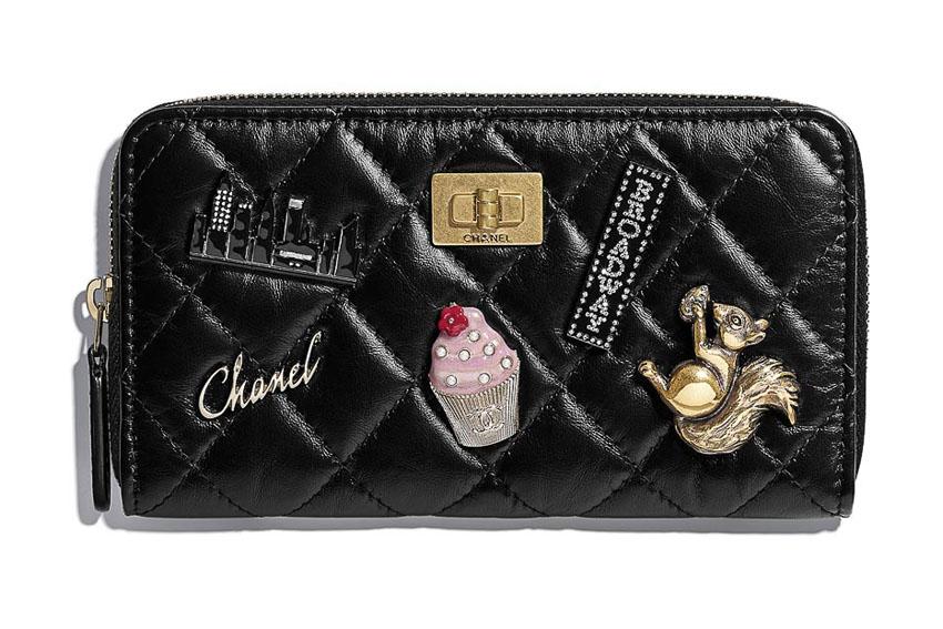 Ví cầm tay của Chanel