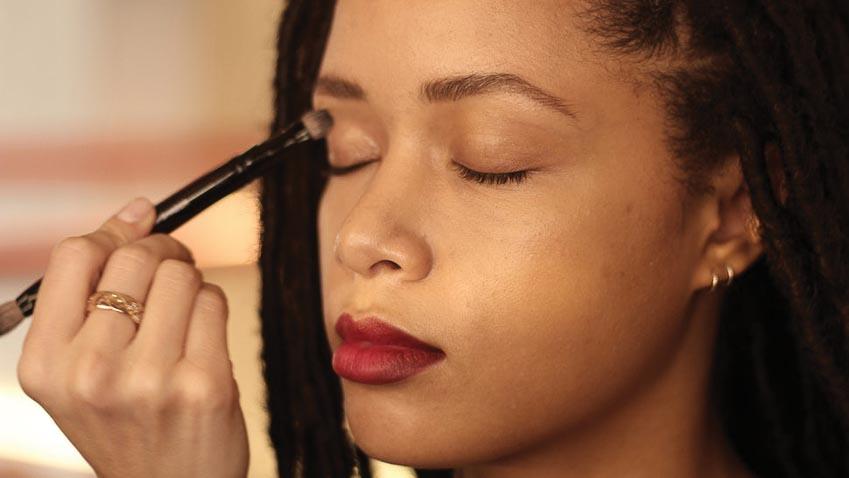 5 cách make-up tone đỏ từ chuyên gia trang điểm Chanel 5