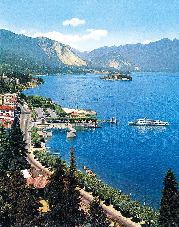 Stresa bên hồ Maggiore