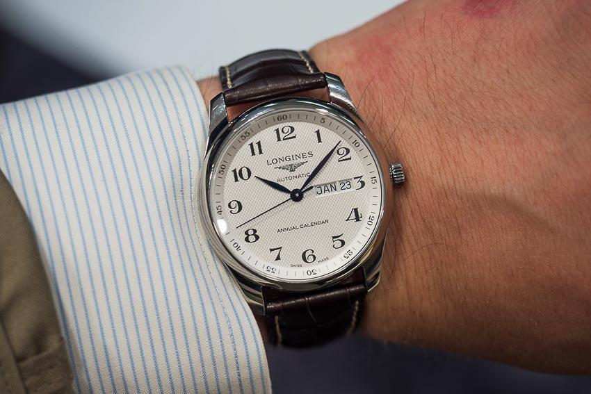 5 mẫu đồng hồ lịch thường niên tạo ấn tượng cho khởi đầu năm 2019 14