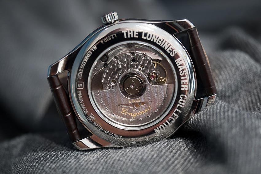 5 mẫu đồng hồ lịch thường niên tạo ấn tượng cho khởi đầu năm 2019 13
