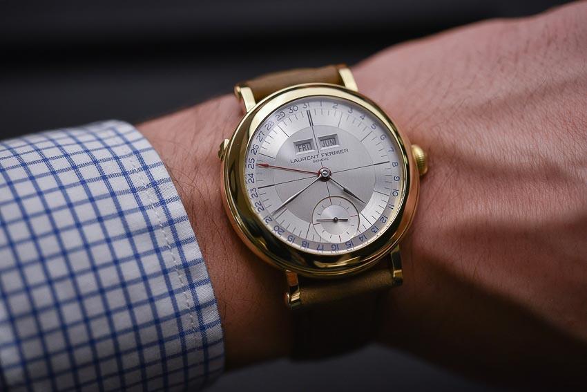 5 mẫu đồng hồ lịch thường niên tạo ấn tượng cho khởi đầu năm 2019 5