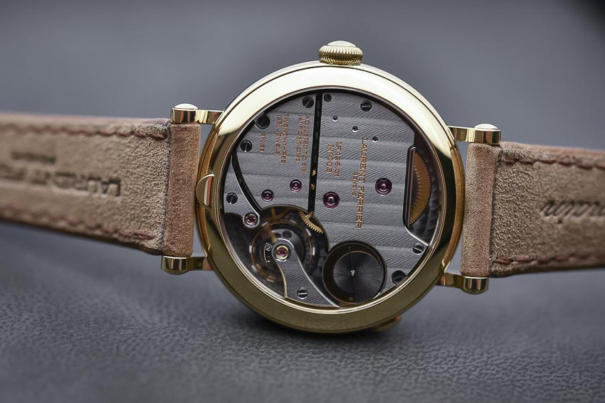 5 mẫu đồng hồ lịch thường niên tạo ấn tượng cho khởi đầu năm 2019 9