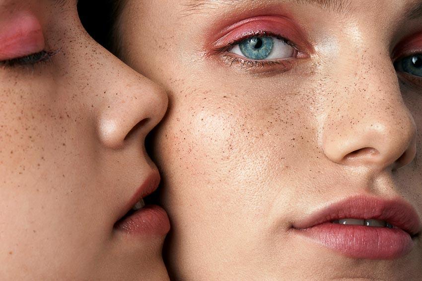 Chăm sóc da là việc thiết yếu mà chúng ta nên làm mỗi ngày. Ảnh: Wanda Print.