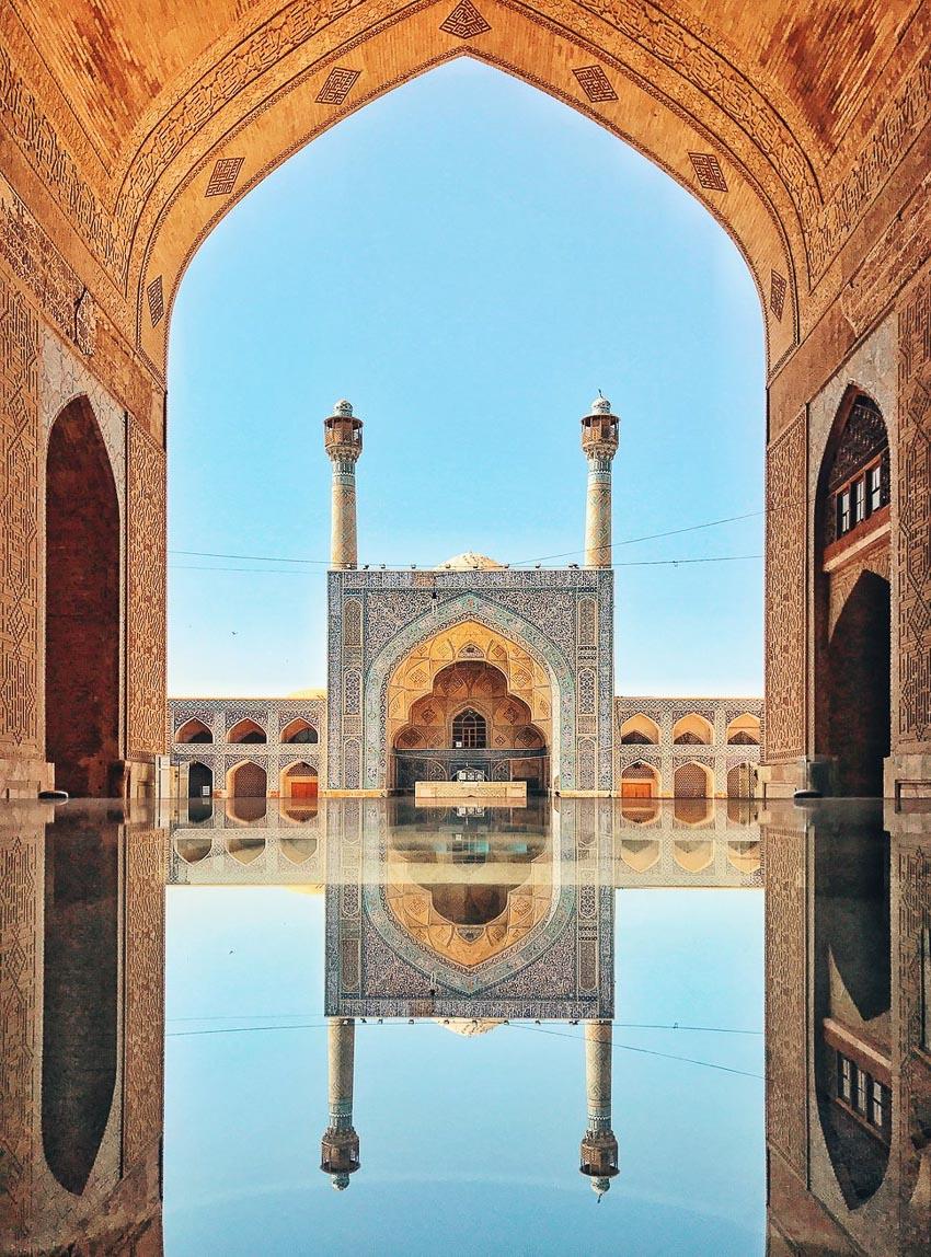 """""""Jameh Mosque of Isfahan"""" – Tác giả: KuangLong Zhang / chụp bằng iPhone 7"""
