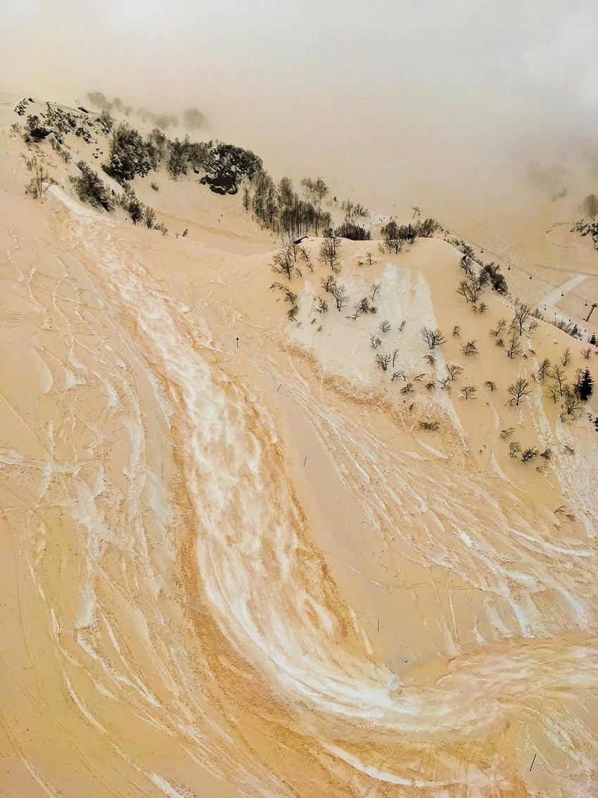 """""""The Sand-snow river"""" – Tác giả: Anton Kruglov / Chụp bằng iPhone SE"""