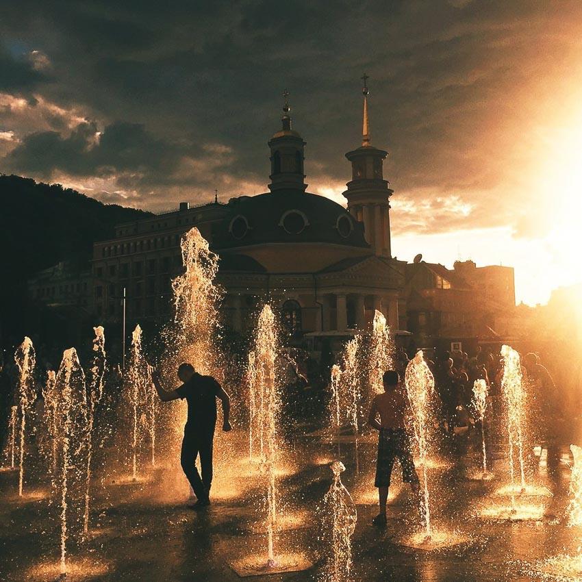 """""""Sunset vibes""""– Tác giả: Ruslan Zabulonov / Chụp bằng iPhone 6"""