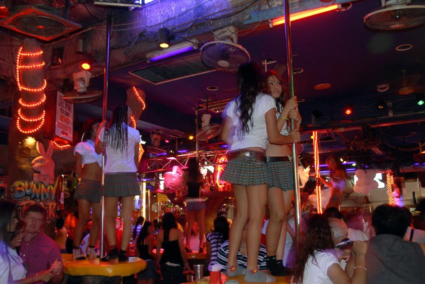Một quán bar ở Patong