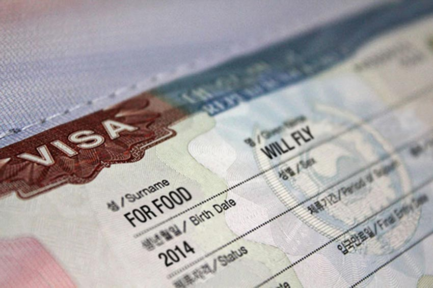 Thời gian nộp visa sẽ ảnh hưởng rất nhiều đến khả năng đậu visa. Ảnh: Will Fly for Food.