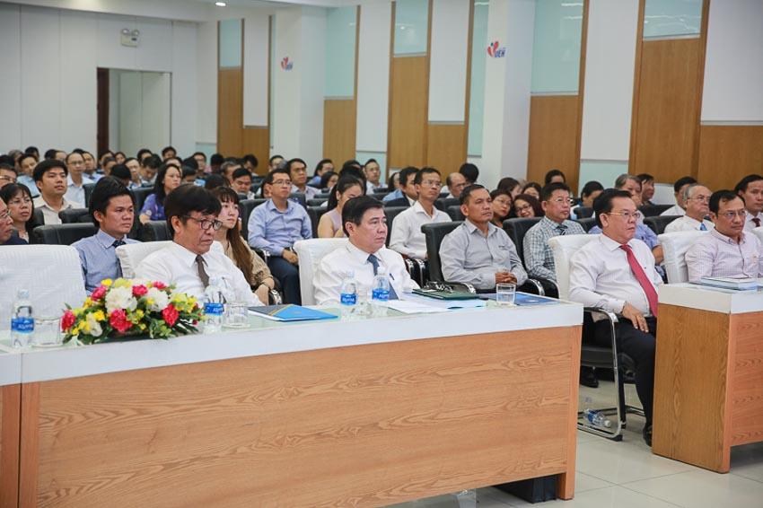 Liên kết giữa nhà trường và doanh nghiệp trong việc giải quyết việc làm cho sinh viên sau khi tốt nghiệp 3