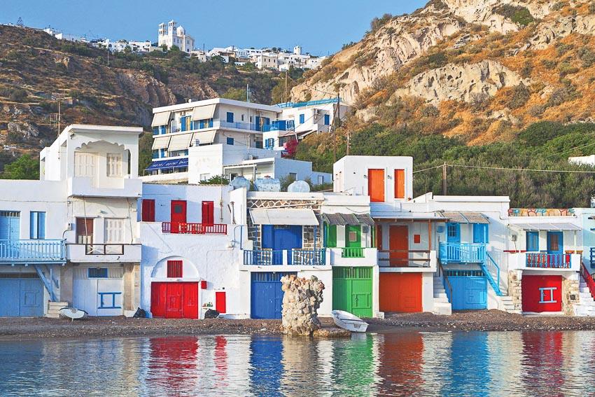 Phố biển ở Milos