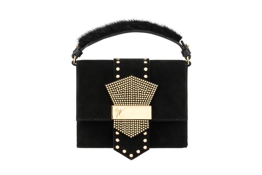 Chiếc túi xách tay Giuseppe Zanotti Design với phần khóa độc đáo