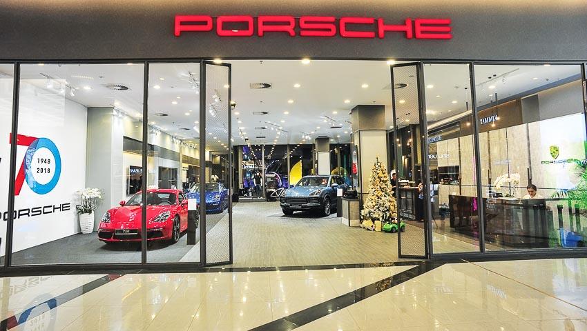 Không gian trưng bày của Porsche tại TP. Hồ Chí Minh