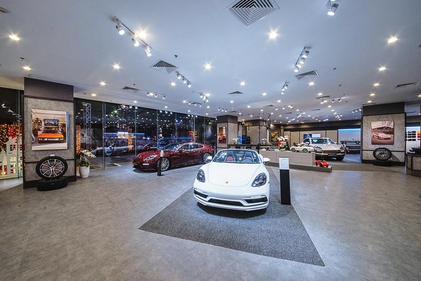 Không gian trưng bày của Porsche tại Hà Nội