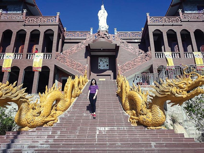 Góc kiến trúc hiện đại của chùa
