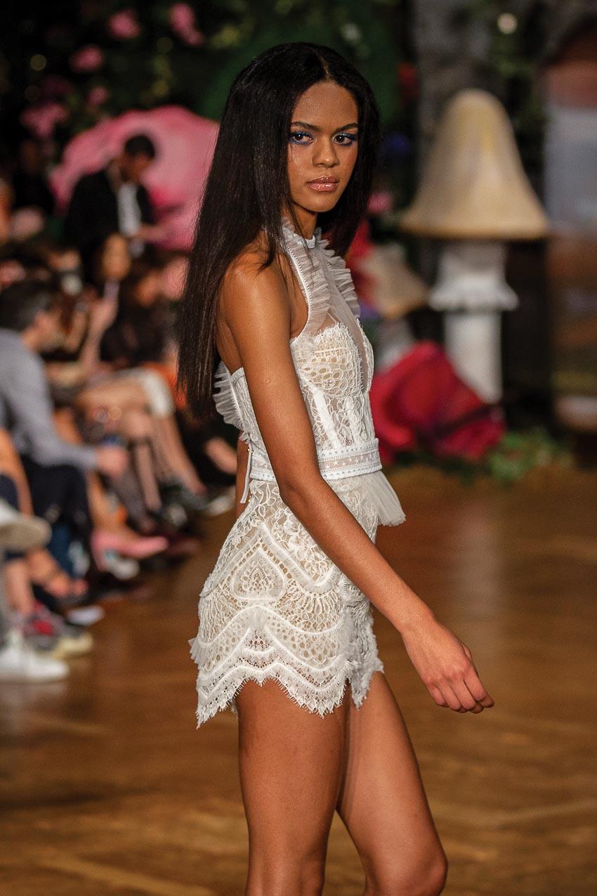 Những mẫu tóc đẹp lấy cảm hứng từ hai tuần lễ thời trang New York và London 5