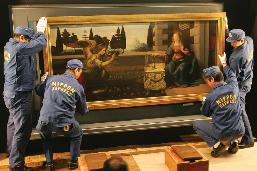 Năm 2007, bức Thiên sứ truyền tin cho Maria được Bảo tàng Uffizi cho Nhật Bản mượn triển lãm nhưng năm nay không cho Bảo tàng Louvre mượn