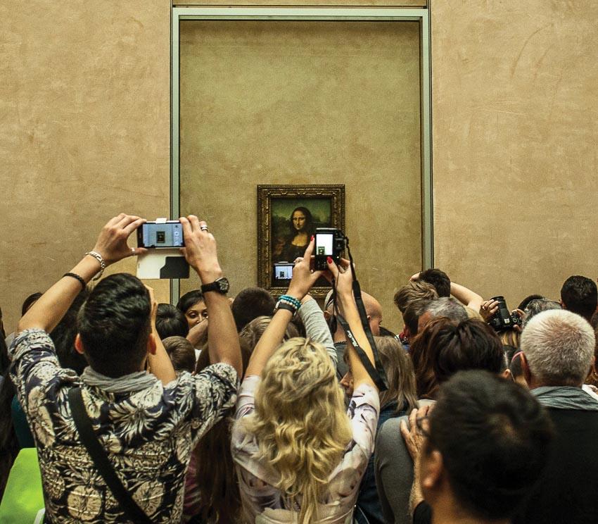 Dù trong sưu tập của Bảo tàng Louvre có nhiều tác phẩm của Leonardo da Vinci nhưng bức Mona Lisa luôn là tâm điểm của hàng triệu khách tham quan