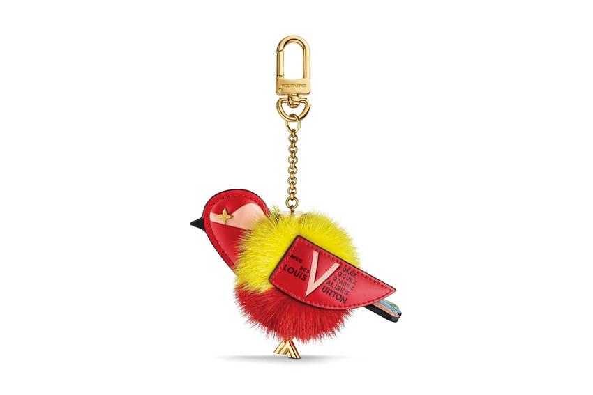 Móc chìa khóa hình chú chim dễ thương của Louis Vuitton