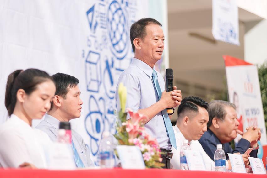 Ngoài việc giúp các em học sinh lựa chọn nghề nghiệp đúng đắn, Thạc sĩ Hứa Minh Tuấn – Phó hiệu trưởng – Trường Đại học Tài chính – Marketing cung cấp các thông tin chung về kỳ thi THPT Quốc gia 2019