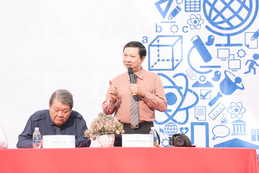 Bác sĩ Trương Trọng Hoàng – Phó chủ nhiệm bộ môn Khoa học Hành vi và Y đức – Trường Đại học Y khoa Phạm Ngọc Thạch mang đến những thông tin hữu về việc chăm sóc sức khỏe mùa thi cho các em học sinh