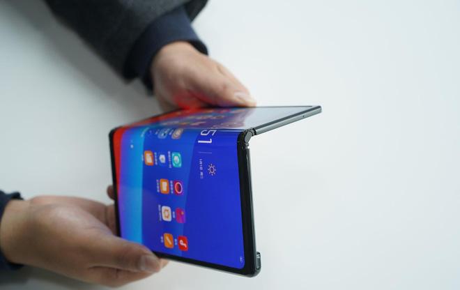 Oppo công bố smartphone màn hình gập - Anh 2