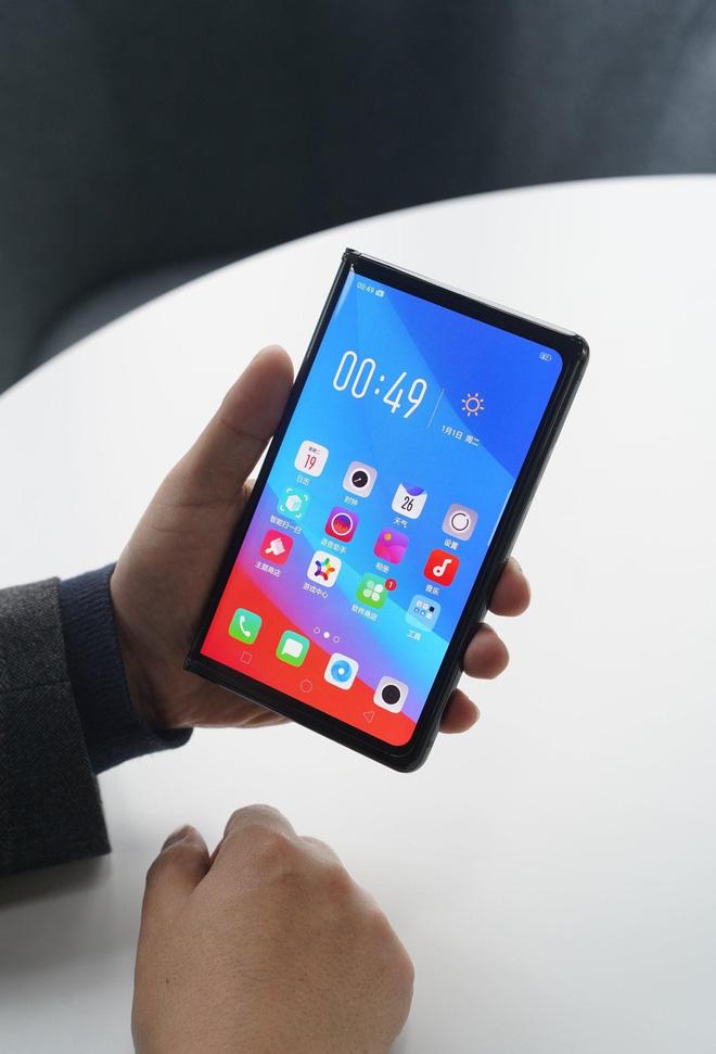 Oppo công bố smartphone màn hình gập - Anh 3