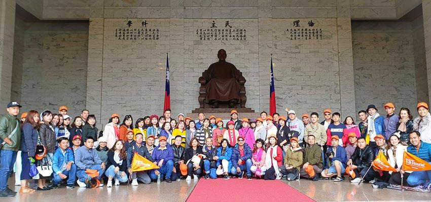 Nhiều đoàn khách lớn chọn TST tourist du lịch mùa hè 2019 2